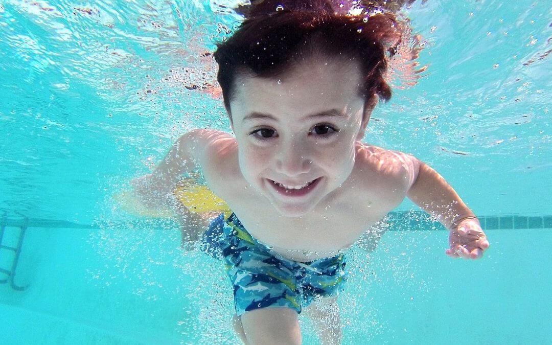 Grundschullehrplan erfüllen – Schwimmunterricht sichern!